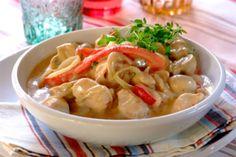 Creamy Chicken Stew with mushrooms, cream and wine.