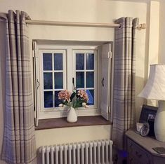 Wooden shutters if have full length curtains - also wooden pole Cottage Interiors, Cottage Homes, Cosy Interior, Interior Design, Cottage Lounge, Cottage Curtains, Beach Room, Living Spaces, Living Room