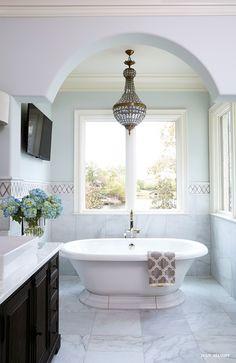 Kohler Vintage Soaking Tub with C French Empire Crystal Chandelier - Transitional - Bathroom Inspiration Design, Bathroom Inspiration, Small Bathroom Chandelier, Bathroom Images, Bathroom Ideas, Bathroom Designs, Bath Ideas, French Empire Chandelier, Rectangular Vessel Sink