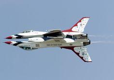 Les Thunderbirds sont l'escadron de démonstration aérienne de l'US Air Force (USAF), basé sur la base aérienne de Nellis près de Las Vegas, Nevada. La…