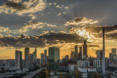 日落CBD by 27e1cb3d0421482b72c095ecc794b5226 #architecture #building #architexture #city #buildings #skyscraper #urban #design #minimal #cities #town #street #art #arts #architecturelovers #abstract #photooftheday #amazing #picoftheday