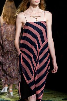 Dries Van Noten at Paris Fashion Week Spring 2015 - Details Runway Photos