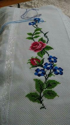 This Pin was discovered by Eli Cross Stitch Heart, Cross Stitch Borders, Cross Stitch Flowers, Cross Stitch Patterns, Cross Stitch Embroidery, Hand Embroidery, Embroidery Designs, Palestinian Embroidery, Diy Crochet