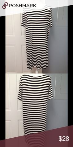 Bellino USA Maternity Dress Oh so comfortable and soft.  97% rayon 3% spandex.  Comes to knee depending on your height.  Short sleeves.  Black and cream stripes.  Brand new. Bellino Clothing Dresses Midi