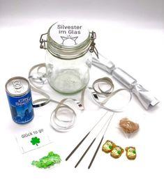 Silvester DIY Ideen - Party Zutaten als Geschenke im Glas mit goldenem Etikett