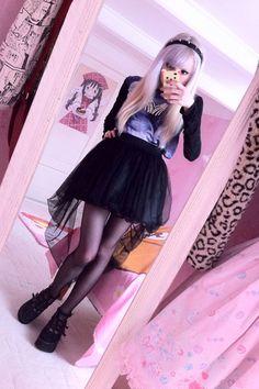 love this black high-low skirt!!