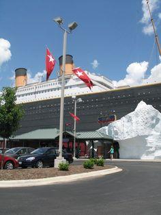 Titanic Branson Exterior