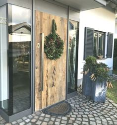 Alu front door with old wood - # Alu-Haustür - house - . - Aluminum front door with old wood – wood # Aluminum front door – House – - Aluminium Front Door, Farmhouse Remodel, Main Door, Cozy Place, Entrance Doors, Home And Deco, Basement Remodeling, Remodeling Ideas, Old Wood