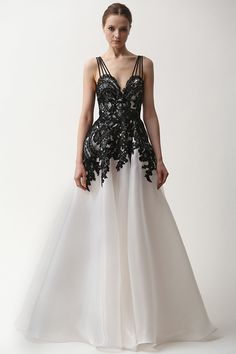naeem khan prefall 2015 #couture dresses a line gown #eveninggown #fashion