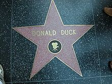 Vuonna 2004 Aku Ankka sai oman tähtensä Hollywood Walk of Famelle.