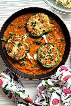 Chilly Paneer in Tomato Capsicum Gravy%