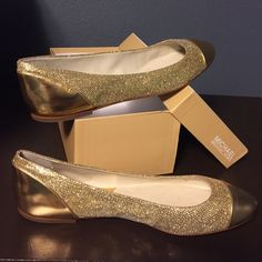 Shala Ballet Flat in gold by Michael Kors Shine on! The Shala ballet flats by MICHAEL Michael Kors feature a metallic overlay and cap toe that adds a great sense of contrast. Easy slip-on wear. Measurements: Heel Height: 1⁄4 in Weight: 4 oz **like new and never worn** ❗️make an offer. Michael Kors Shoes Flats & Loafers