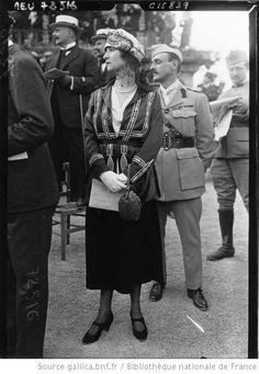 View album on Yandex. 1918 Fashion, Mens Fashion, Fashion Outfits, Longchamp, Views Album, Paris France, Cruise, Style Inspiration, Couple Photos