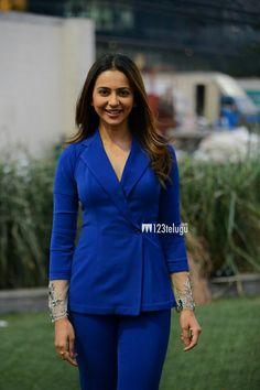 South Heroine, Beautiful Saree, Heroines, Beautiful Actresses, Indian Beauty, Bollywood Actress, Hd Wallpaper, Lust, Angel