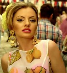 Alexandra Stan--if I ever wear makeup I would totally do it like this =)