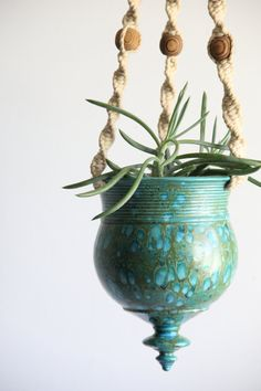 vintage hanging pottery planter / teal : blue. Would be very cool to combine macrame and pottery.