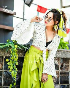 Girl Photo Poses, Girl Photos, Edit Photos, Girls Dp Stylish, Girls Dpz, Couple Pictures, Boy Or Girl, Lace Skirt, Photo Editing