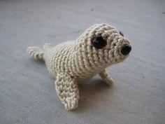 Ravelry: Baby Harp Seal free  pattern by Sandsteel Designs