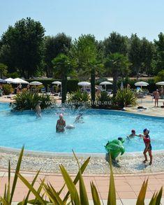 Itálie, dovolená u moře, ubytování v kempu, rodinná dovolená. Mobilhomy, bungalovy, bazény, klimatizace, parkování, restaurace, animační programy a zábava. Letní pobyty u moře, kompletní nabídka kempů v Itálii.