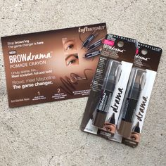 The moment I've been waiting for. Thanks @Influenster & @Maybelline for letting me part of this amazing campaign!  #mnybrows #maybelline #browdrama #voxbox #influenster #influenstervoxbox #pomadecrayon #maybellinenewyork