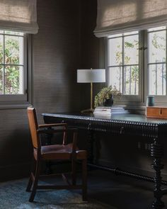 A classic home office we designed for clients in Hancock Park…. – Home Office Wallpaper Home Office Design, Home Office Decor, House Design, Home Decor, Office Designs, Men's Home Offices, Home Office Closet, Office Wallpaper, Interior And Exterior