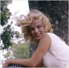 Marilyn Monroe - Home (Posts tagged Norma Jeane) Marylin Monroe, Estilo Marilyn Monroe, Fotos Marilyn Monroe, Classic Hollywood, Old Hollywood, Art Visage, Photo Star, Actrices Hollywood, Norma Jeane
