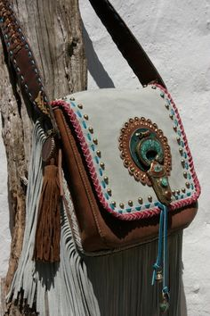 for the hippie spirit.Cognac leather with grey suede handmade bag by NIZHO Hippie Bohemian, Boho Gypsy, Hippie Style, Bohemian Style, Hippie Vibes, Gypsy Style, Hippie Accessoires, My Bags, Purses And Bags