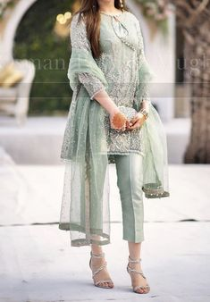 Latest Pakistani Dresses, Pakistani Party Wear Dresses, Beautiful Pakistani Dresses, Latest Fashion Dresses, Pakistani Dress Design, Pakistani Outfits, Latest Pakistani Fashion, Pakistani Bridal Wear, Beautiful Dress Designs