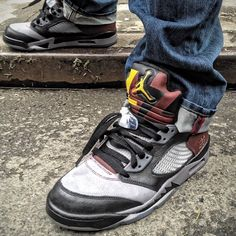 WDMacheWT- there's always going to be some exclusivity that all the money in the world can't even buy #bordeaux #Jordan #5 #custom #igsneakercommunity #complexkicks #kicks0l0gy #walklikeus #uptown2k #whatthekicks #kicks4eva #todayskicks #wdywt #instakicks #V #nyc - @mache275- #webstagram
