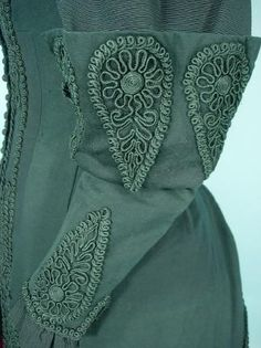 Love the details...from antiquedress.com