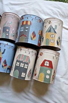 Tin Can Crafts, Diy Arts And Crafts, Jar Crafts, Bottle Crafts, Tin Can Art, Tin Art, Recycled Tin Cans, Recycled Crafts, Painted Flower Pots