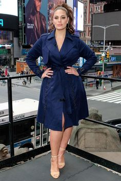 Knockout: Ashley Graham showed off her sartorial style on Monday as she visited Extra studios in New York City Ashley Graham Outfits, Ashley Graham Style, Looks Plus Size, Plus Size Model, Plus Size Dresses, Plus Size Outfits, Dresses Uk, Evening Dresses, Vetements Clothing