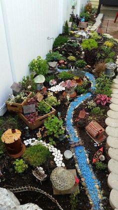 Magic and Best DIY Fairy Garden Ideas - Diy Garden Projects Fairy Garden Plants, Mini Fairy Garden, Fairy Garden Houses, Gnome Garden, Succulents Garden, Garden Terrarium, Fairies Garden, Fairy Gardening, Succulent Terrarium