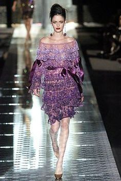 Valentino Fall 2004 Couture Fashion Show - Nicole Trunfio