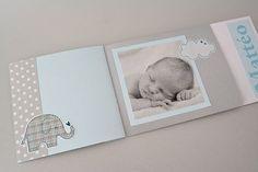 Réalisez en toute simplicité un faire-part à feuilleter pour annoncer la naissance de votre enfant. Baby Cards, Baby Love, Mini Albums, Save The Date, Paper Art, Invitations, Diy, Inspiration, Journal