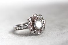 Diamonds therapy #alicemagninjewellery #pinkdiamonds #engagementring #bespokejewellery #luxurylifestyle #bridal #madeinfrance #diamond #jewellery #diamondsjewellery #gold #frenchriviera #wedding #weddingblog #1ct #flowerring #oneofakind #alicemagnin