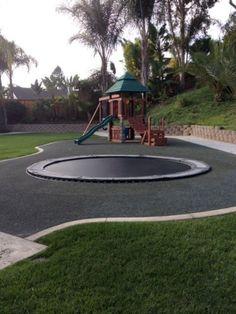 In-Ground Trampoline Are Safer Way To Jump High In Your Backyard In-Ground-Trampolin sind sicherer Weg, um hoch in Ihrem Hinterhof. Kids Backyard Playground, Backyard For Kids, Backyard Projects, Backyard Patio, Backyard Landscaping, Landscaping Ideas, Garden Kids, Playground Design, Modern Backyard