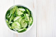 Recipe for Greek Cucumber Salad with Vinegar and Honey Dressing - Mediterranean Greek Basic Recipes - Corn Recipes, Jam Recipes, Greek Recipes, Yummy Recipes, Greek Cucumber Salad, Cucumber Salad Vinegar, Cucumber Chips, Cucumber Dressing, Honey Dressing