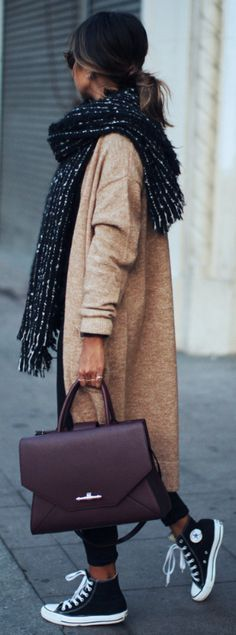Julie Sarinana + versatility of converse + sophisticated work look + oversized knit cardigan + gorgeous Givenchy briefcase   Cardigan: Asos, Jeans: Asos, Shoes: Converse, Scarf: Zara, Bag: Givenchy.