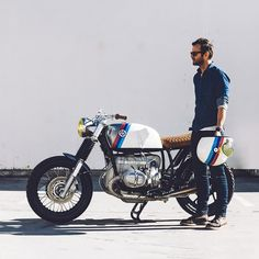 The mark of a good workshop is the ability to turn a worn-out older bike into a thing of beauty. And that's what designer @hugoeccles has done with 'Kalifornia,' the latest build from @untitledmotorcycles. Based on a 1983 BMW R100, it's a fabulous...