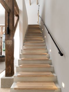 Reconstruction of a monumental farm in Zwolle Modern Staircase, Staircase Design, Stairs To Heaven, Concrete Stairs, House Stairs, Paint Colors For Living Room, Hallway Decorating, Stairways, Home Deco