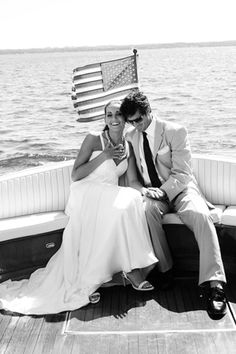 Praise Wedding » Wedding Inspiration and Planning » Romantic Love-Boat Engagement Photos
