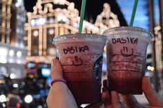 London. #dasynka #london #fashion #blogger #blog #globetrotter #travel #inspiration #harrods #starbucks #frappuccino #cappuccino