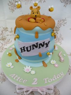 Winnie the Pooh cake - by Deborah @ CakesDecor.com - cake decorating website