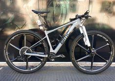 Mtb Bike, Cycling Bikes, Xc Mountain Bike, Bmx Cycles, Montain Bike, Bike Style, Road Bikes, Biker, Vehicles