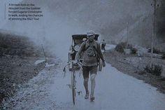 Tour de France 1922. 15-07-1922, 11^Tappa. Briançon - Ginevra. Col du Galibier. Eugène Christophe (1885-1970), già maglia gialla sui Pirenei, è appiedato dalla rottura di una forcella lungo la discesa e lascia definitivamente per strada i sogni di gloria.