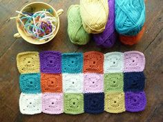 Nana Square... no hole granny square
