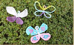 Young children will love using Fuzzy Sticks to create a outlined shape of a butterfly. Have older children use colored tissue paper and decoupage glue to create decorative wings on their butterfly crafts!