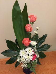 #adornosflorales Casket Flowers, Altar Flowers, Church Flowers, Funeral Flowers, Contemporary Flower Arrangements, Small Flower Arrangements, Flower Centerpieces, Deco Floral, Arte Floral