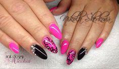 Pink/black nailart